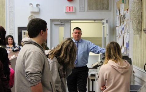 Journalism Students Visit the Republican Herald