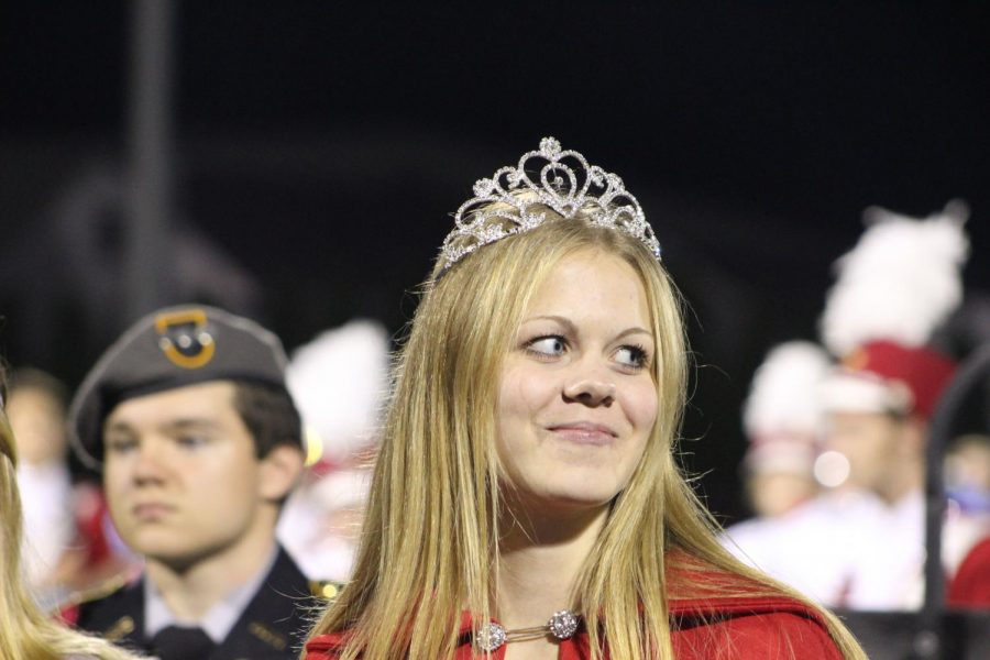 Sydney Griffiths looking at her fellow nominees while the Alma Mater was played.