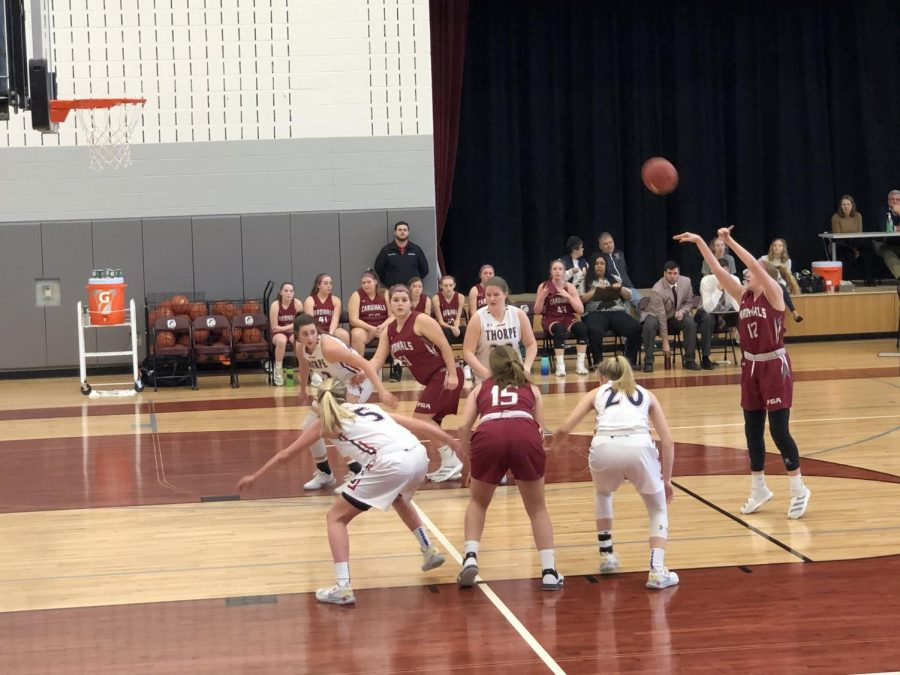 Felty shooting a free throw.
